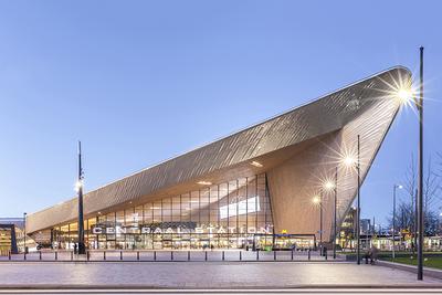 Rotterdam Centraal Station 1 (2016), door Thijs van Luijk (Edition)